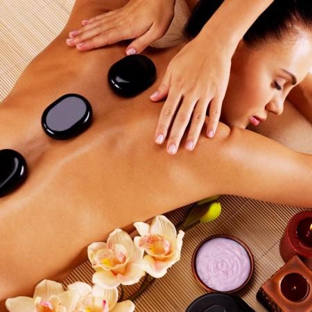 Hot-Stone-Back-Massage-800x800