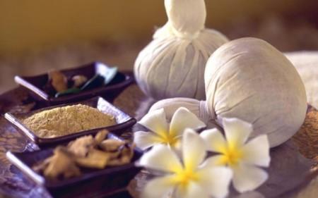 Элакижи - массаж травяными мешочками